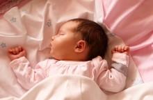 Развитие малыша в возрасте одного месяца
